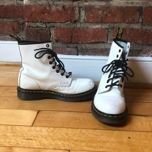 White leather Doctor Martens, ladies size 7!